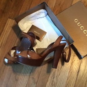 Women's Gucci pumps